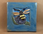 Wide Border Bee (6 x 6 inch aprox)