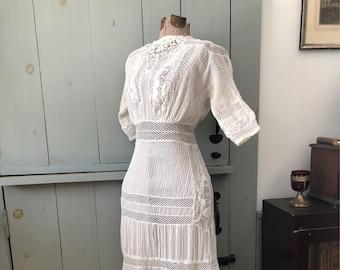 Vintage 1900s 1910s Edwardian white lace dress