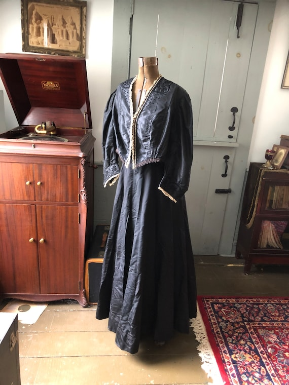 Vintage Victorian 1900's black taffeta two piece d