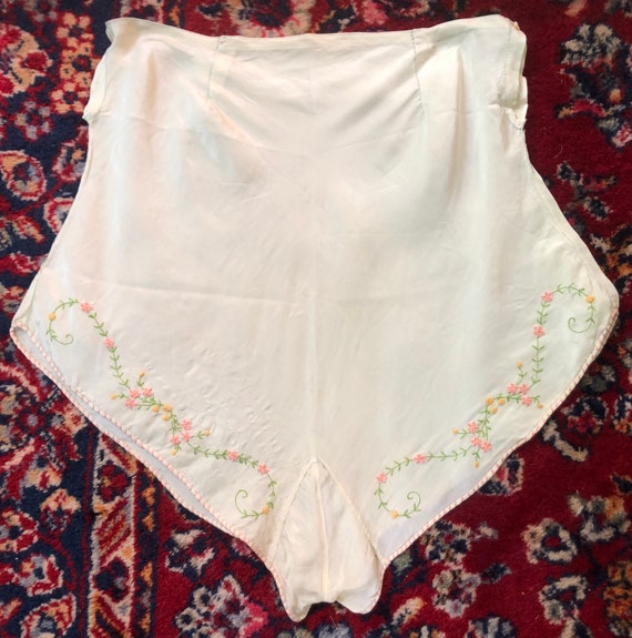 Vintage 1920's 1930's embroidered green tap pants