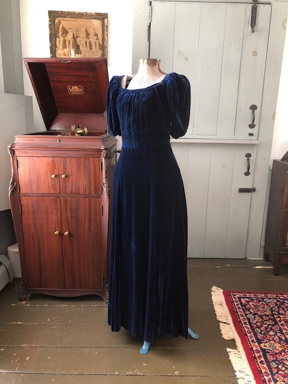 Vintage 1930s navy blue velvet evening gown