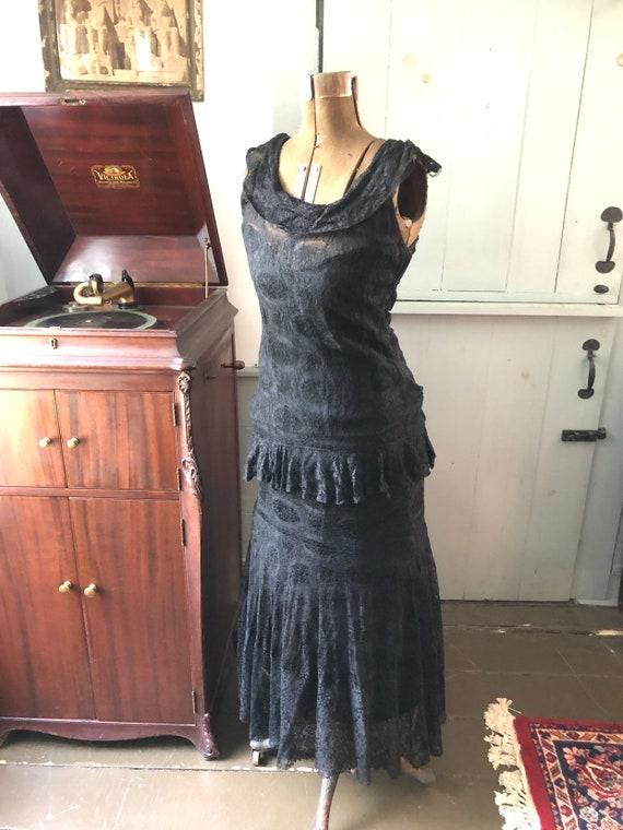 Vintage 1930s black lace evening gown