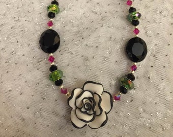 Rose Garden Necklace 2