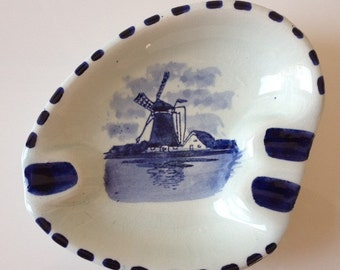 Delft Blauw Astray Vintage Hand Painted Holland Souvenir Ashtray