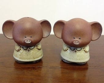 Gempo Elephant Salt and Pepper Shakers Stoneware Glazed Pottery Made in Japan 1972-74 Collectable Novelty Salt and Pepper with Sticker