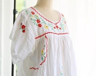 Vintage Mexican Embroidered Bohemian Midi Kaftan Dress ~ Slight Bell Sleeves ~ Festival Boho ~ Size M/L/XL