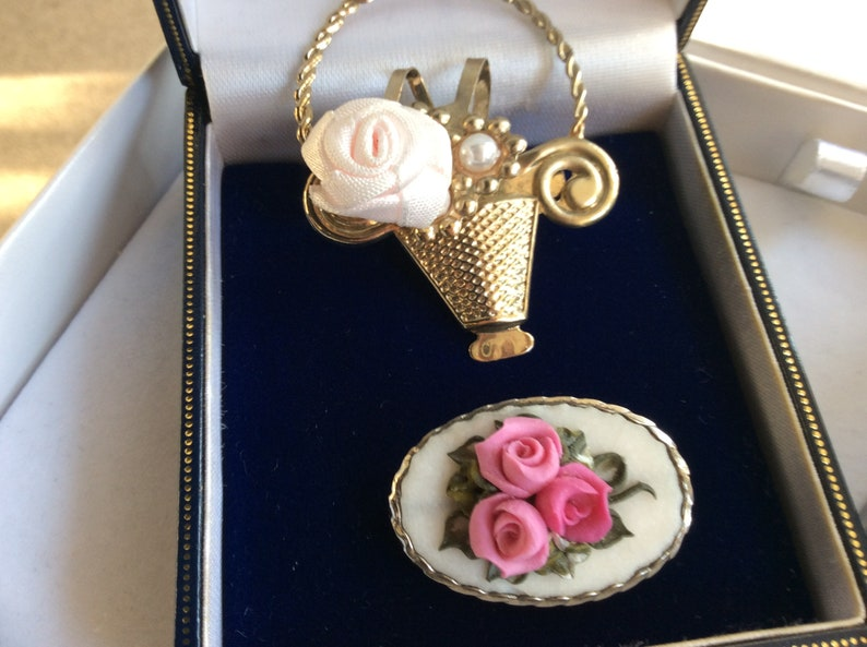 SALE REDUCED Price Stunning Lot Of Vintage Brooches  4 Items