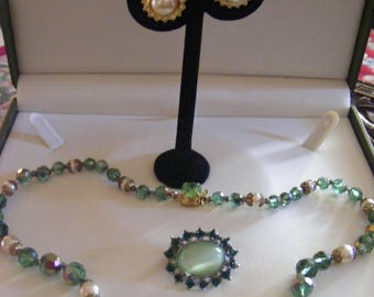 Pretty Mixed Lot Of Costume Jewellery