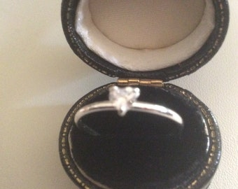 Sweet 925 Silver Heart Ring With Cubic Zirconia Small Stone