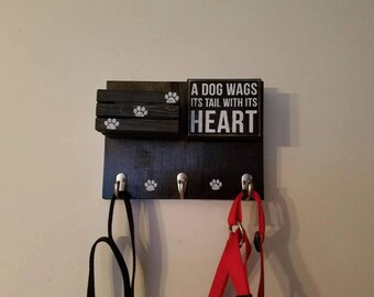 Leash holder with 3 hooks