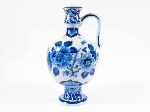 Vaas Delfts Blauw.1969 De Porceleyne Fles Vaas Delfts Blauw Vaas Met Oor Klein Delfts Blauw Vaasje Delfts Blauw Blauw En Wit Keramiek