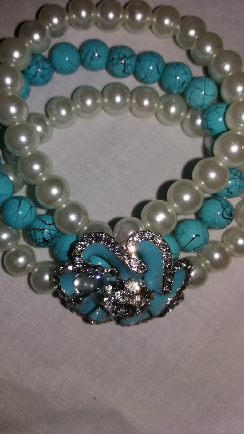 Truely stunning vintage beadpearl enamel bracelet