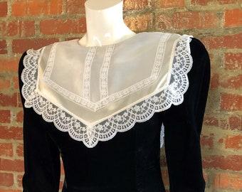 Vintage 90's Black Velvet Victorian Gothic Dress sz 9
