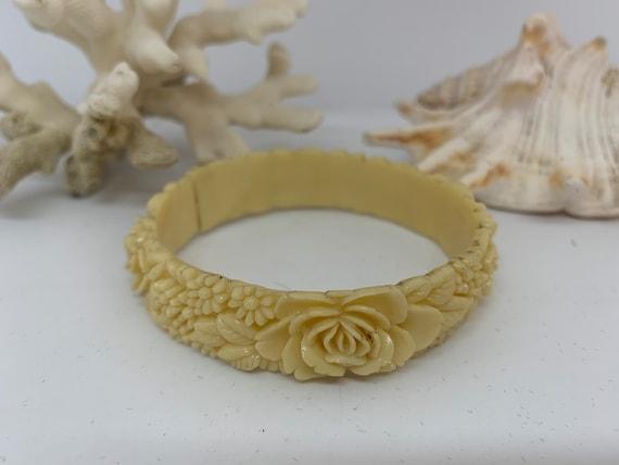 Cream 1930's Japanese Celluloid Bracelet