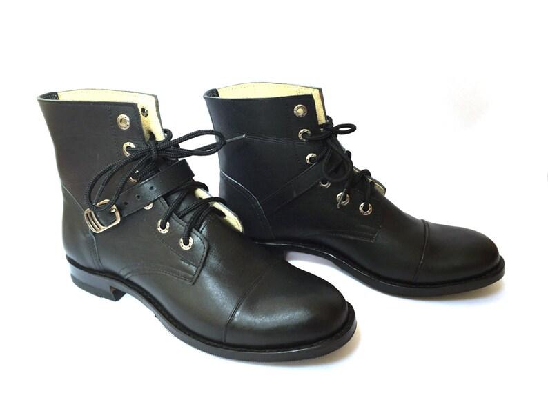 Boucle de cuir des bottes noir bottines à lacets bottes  d988a259ca3