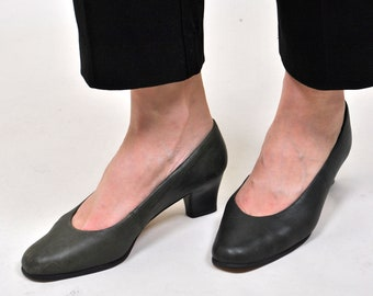 Vintage Leather Shoes, Womens 90s pumps, Casual Booties, Green pumps. Suit shoes, Evening pumps, Casual Outfit, Low heel shoes, 80s, Size