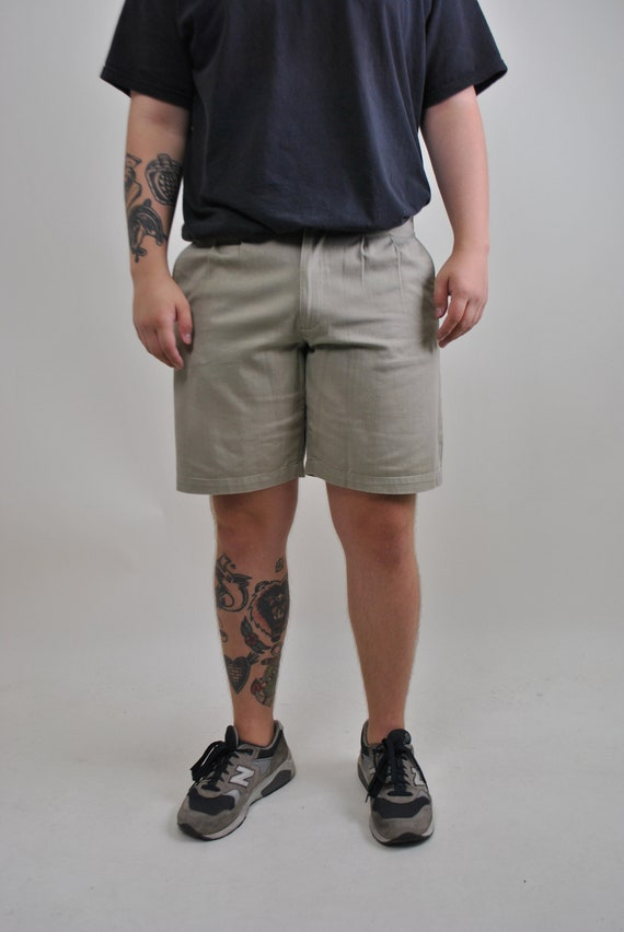 Khaki chino shorts, military Bermuda short, Size 3