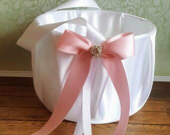 Basket for flower girl, Pink basket for wedding, flower girl basket pink, flower girl accesories, wedding baskets, wedding ceremony.