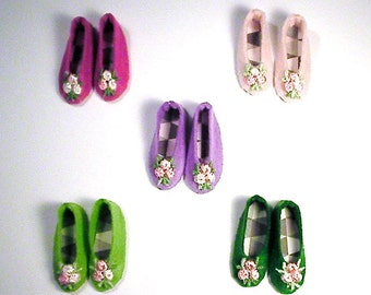 Colorful shoes for Lammily
