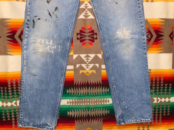 Levis 501 Button Fly Distressed Jeans Sz 33 - image 2