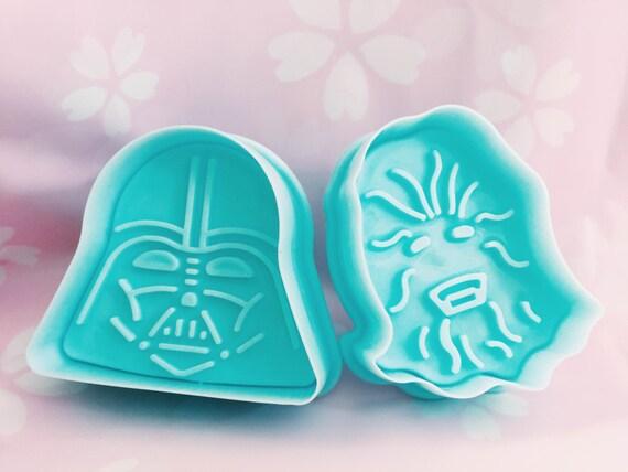 17de35a137aae Star Wars Darth Vader Chewbacca C3PO Yoda Plunger Style Cookie Cutter Set