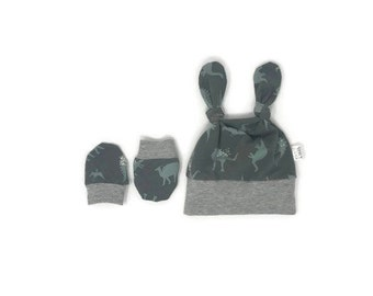 newborn hat and mittens Duo