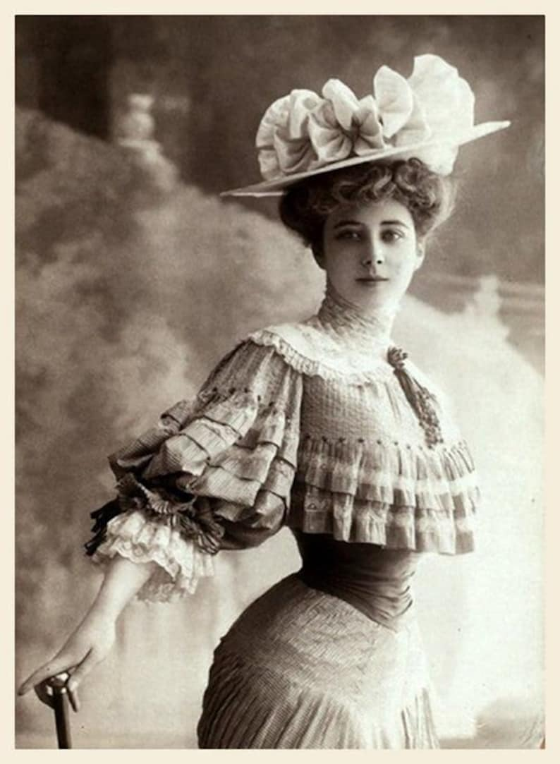 Women of The Victorian and Edwardian Era  Vintage Photography image 0