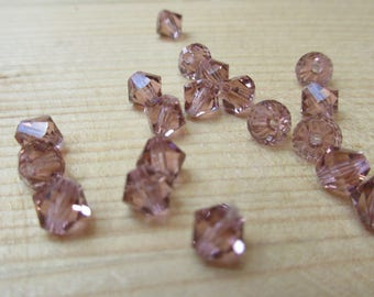 Bicone Swarovski Element Blush Pink 15 mm x 20