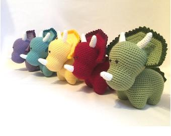 Crochet amigurumi pattern: Dinosaur (Triceratops)