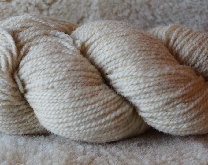 NATURAL SHEEPS WHITE bulky 3 ply wool free shipping offer undyed Fisherman Bartlettyarn sale