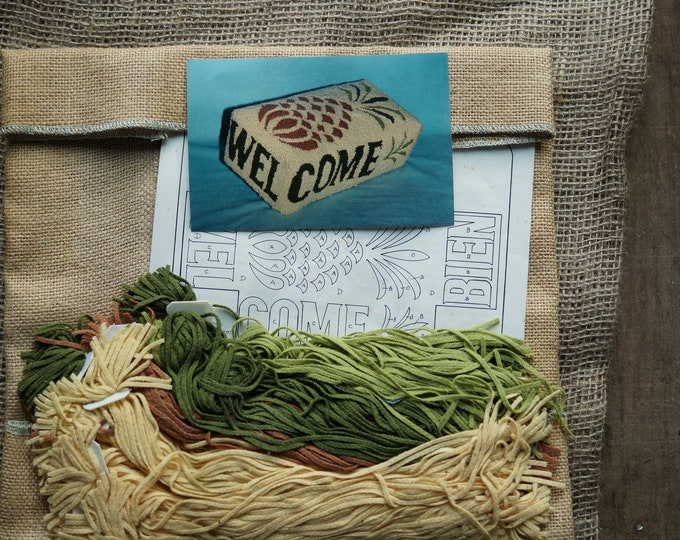 Rug hooking kit: Pineapple design welcome brick cover kit on burlap with wool strips