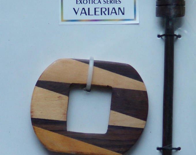 Shawl Pin: Valerin wood shawl pin