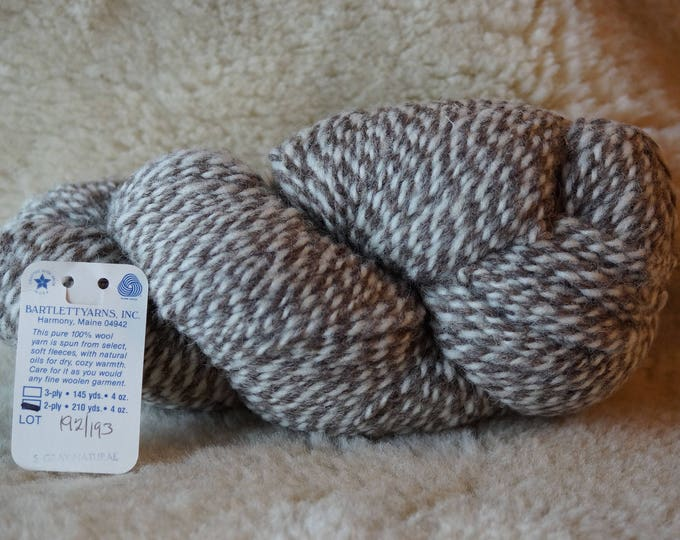 Gray & Sheeps White 2 ply marl worsted weight yarn from Bartlettyarn sale