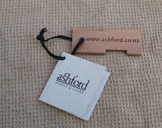 Ashford Yarn Gauge measures yarn wraps per inch wood