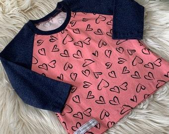 "Raglan shirt ""Hearts"" in Stlye, Sweden"