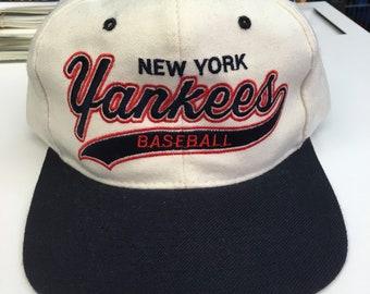 Deadstock Vintage New York Yankees MLB Baseball 100% Wool Starter Script  Leather Strap Hat 6a0194fc3a85