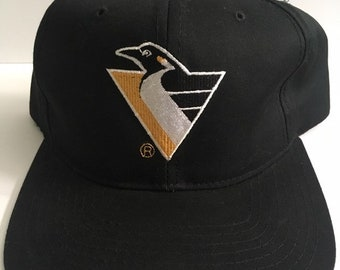 e8ee7f0254a Deadstock Vintage Pittsburgh Penguins NHL Hockey Starter Snapback Hat