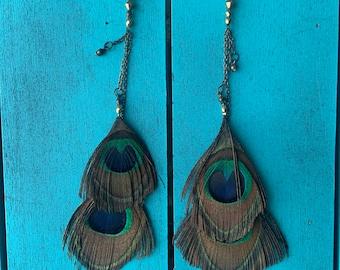 Onsie peacock earring