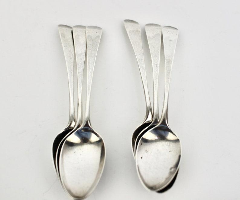 1817 Ensemble géorgien de 6 belles cuillères à café antiques d'argent,
