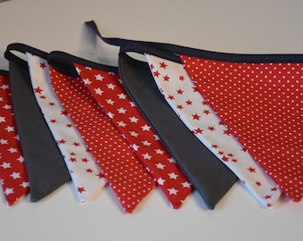 Garland 8 flags fabric - red, grey and white tones