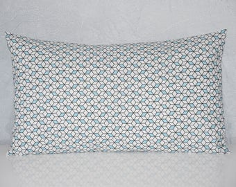 Cushion - 50 x 30 cm - printed cubes 3D - black, ice blue and white tones