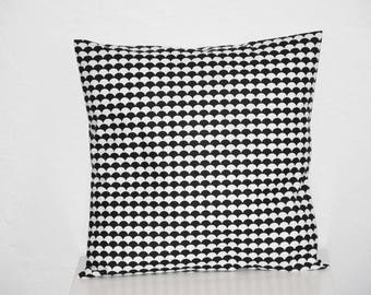 Cushion - 40 x 40 cm - fabric scales - black and white - trendy Scandinavian motifs