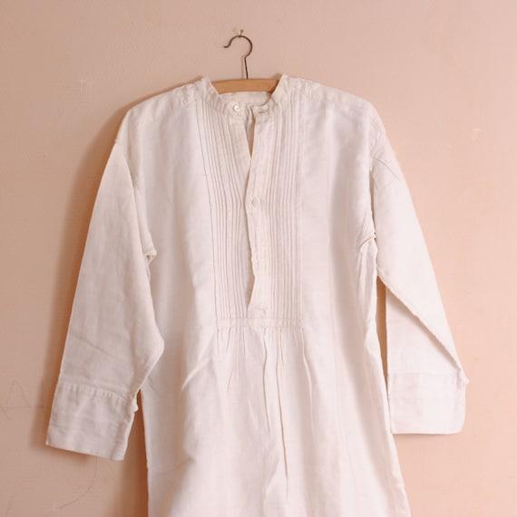 French antique  pure linen nightgowon 19th Nightgo