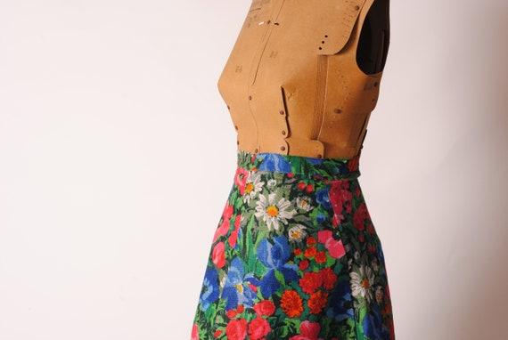 skirt in flowery linen never worn , floral linen s