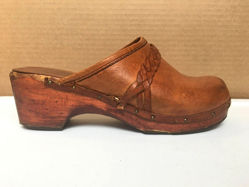 3f7c0e0f9218 1970s Kinney Clogs size 8 Womens Shoes Woolworth Mules