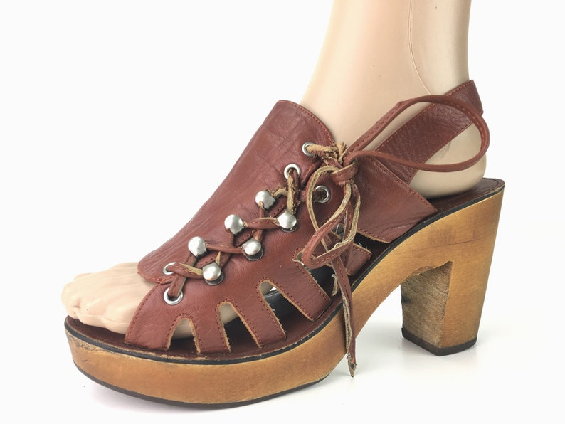 e2bbb30bb09 Lace Up Sandal Size 6 Vintage Wood Heel Slingback Sandals