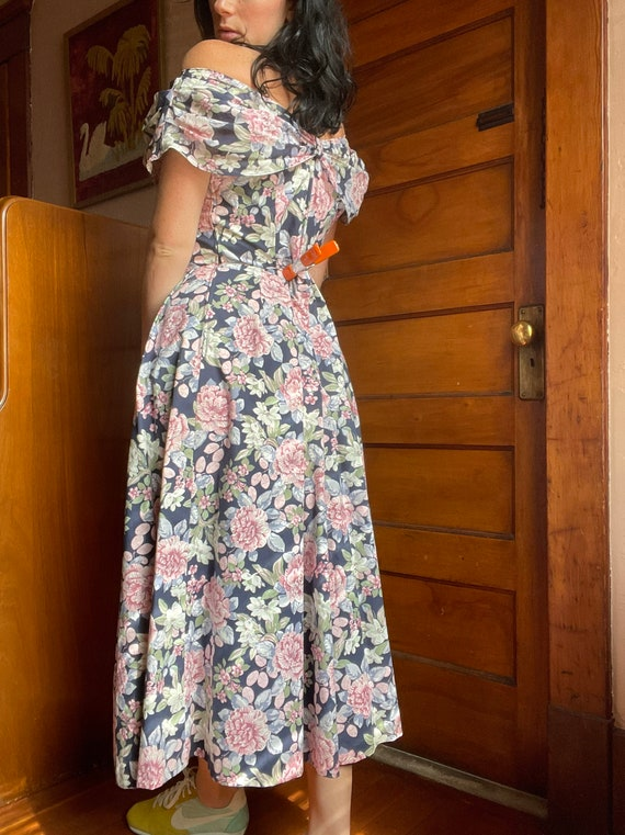 1990s Laura Ashley Off the Shoulder Floral Midi T… - image 2