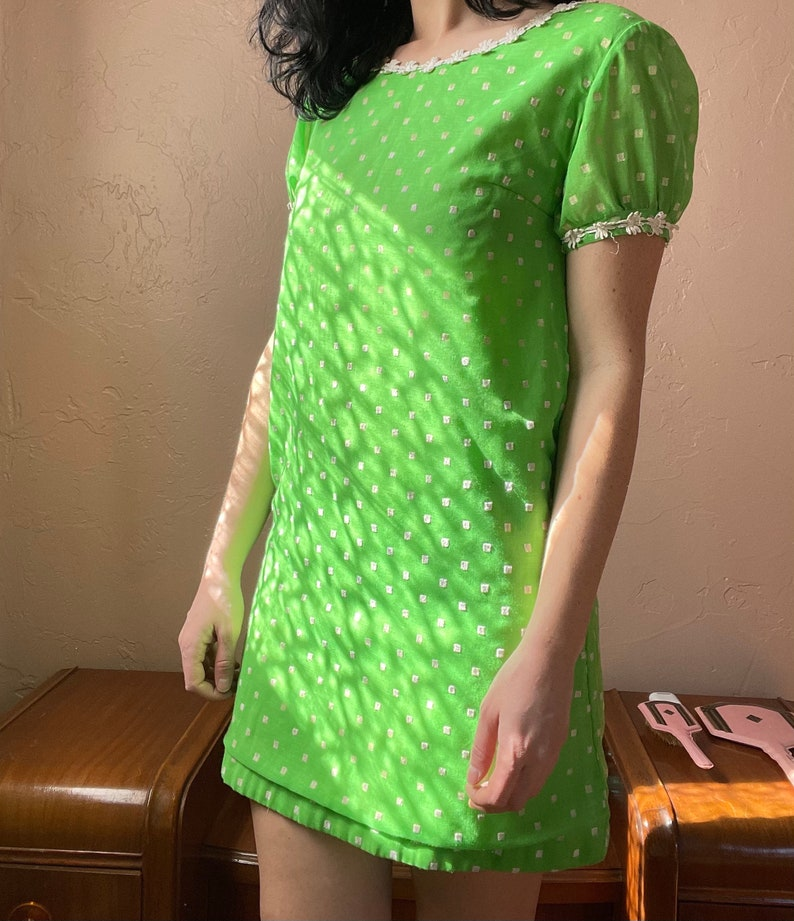 1960s Swiss Dot Flocked Kelly Green Indian Cotton Mini Dress with Puff Sleeves size Small Medium