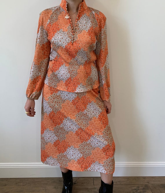 1970s Orange Floral Two Piece Blouse and Skirt siz