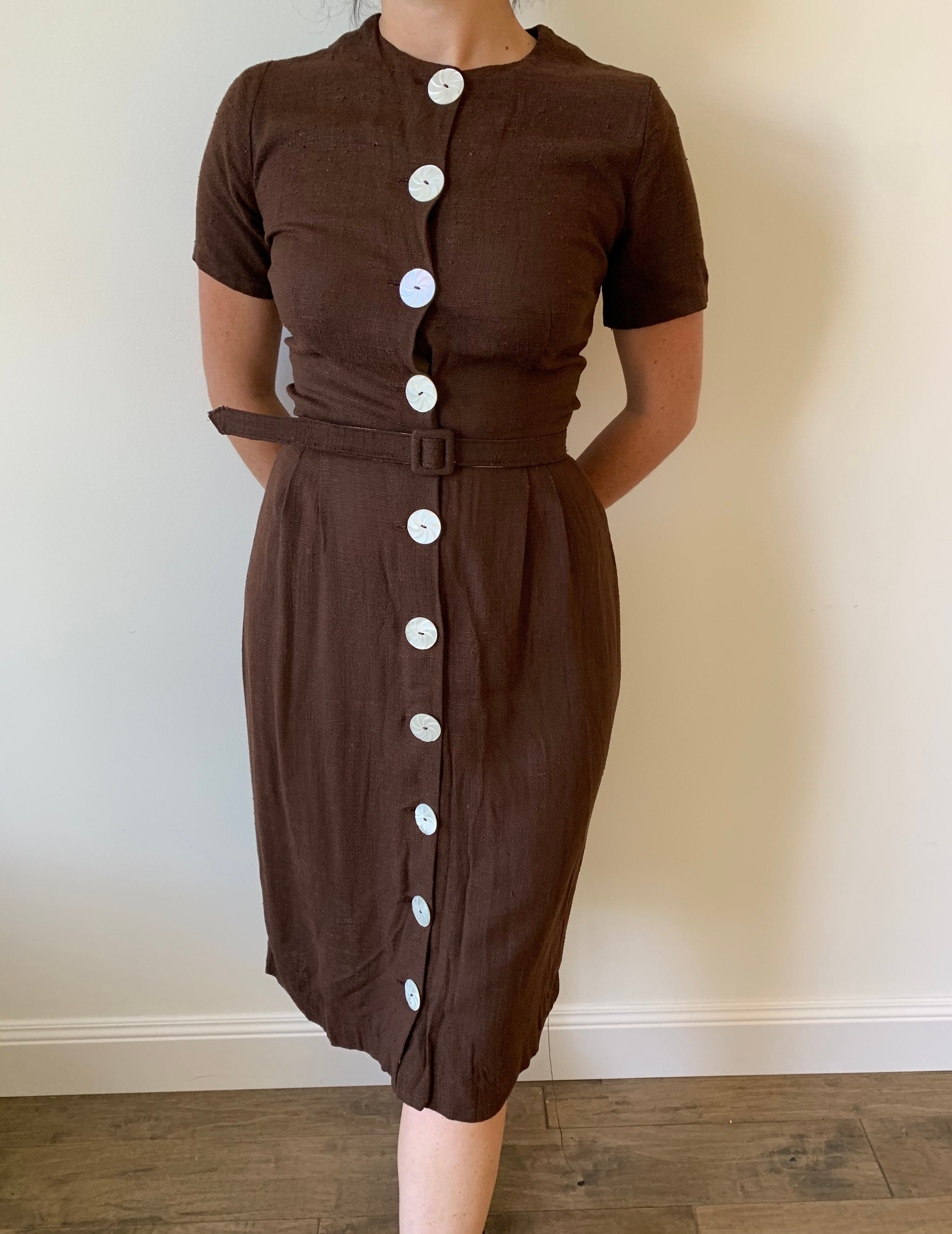 1950s Hats: Pillbox, Fascinator, Wedding, Sun Hats 1950S Chocolate Brown Linen Wiggle Shirtdress With Mother Of Pearl Carved Buttons  Jacket Size Small Medium $0.00 AT vintagedancer.com
